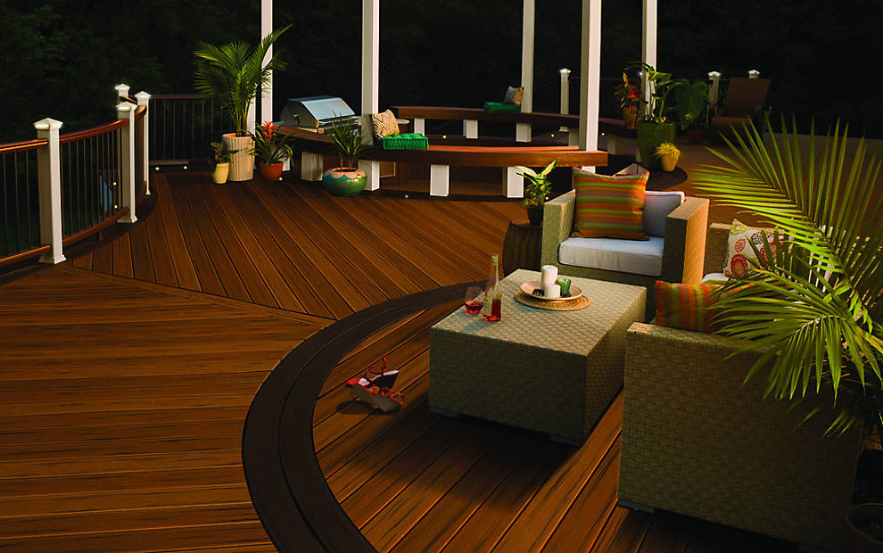 TRANSCEND® DECKING & RAILING